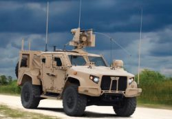 Video: Oshkosh Defense shows new JLTV equipped with Series 9000 Precleaners